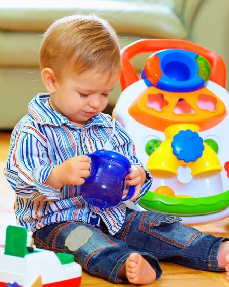 Abandonner les modes d'accueil de la petite enfance, une (fausse) bonne idée pour réinventer la PMI.